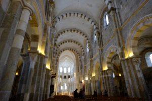 L'intérieur de l'église de Vézelay