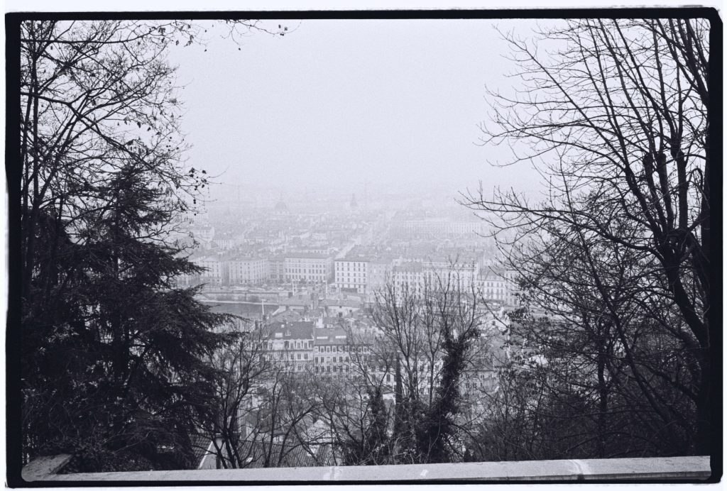 Lyon dans la brume