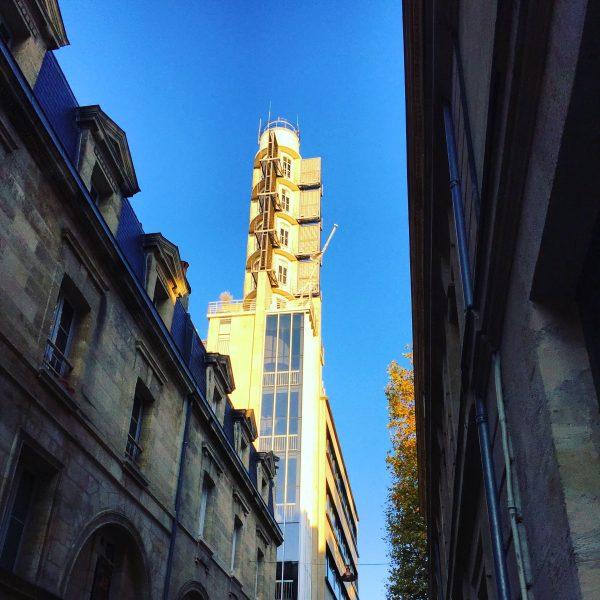 Architecture insolite à Bordeaux une ville baignée de soleil