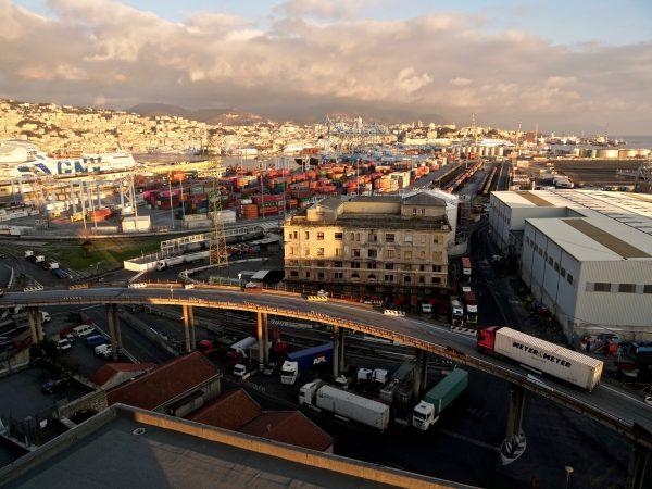 Un grand port du sud de l'Europe