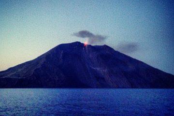 Le Stromboli l'un des volcans les plus actifs de la planète
