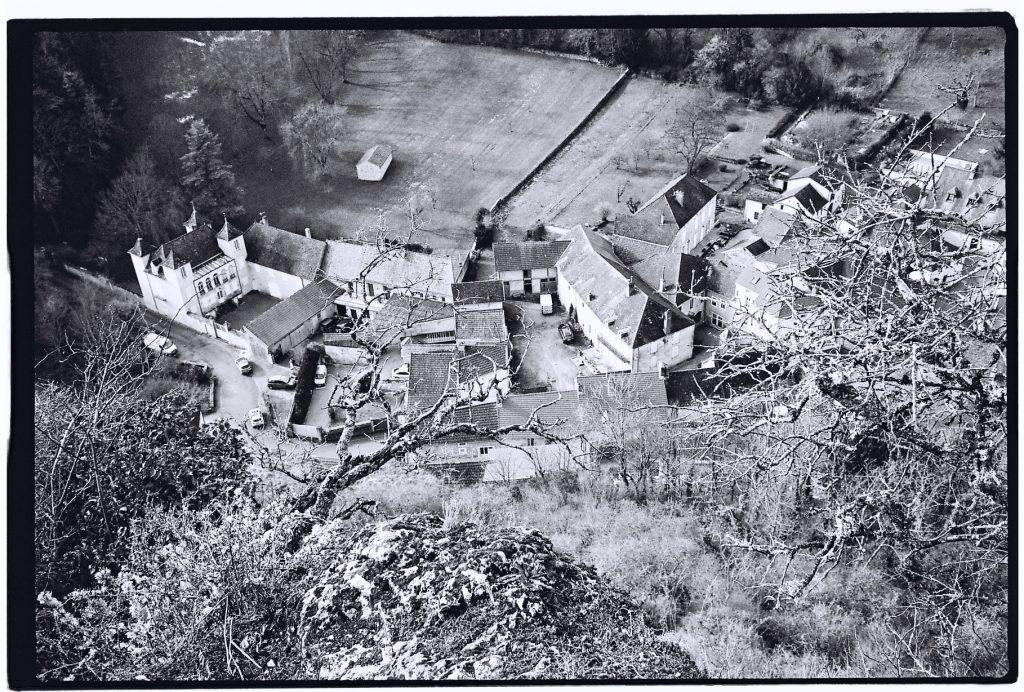 Vue sur Saint-Romain depuis les ruines du château, Route des Grands Crus
