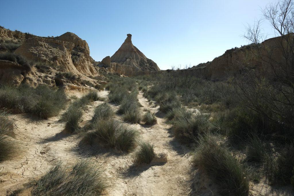 Sous le soleil dans le fond d'un cayon en Espagne