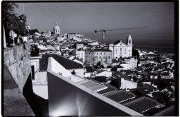 Vue imprenable sur les vieux quartiers de Lisbonne et le Tage