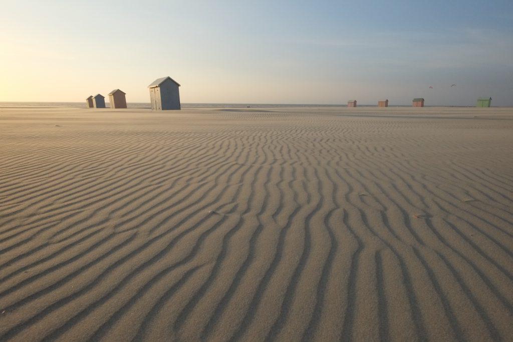 le sable immaculé, un peu comme une plage du bout du monde. Berck su mer