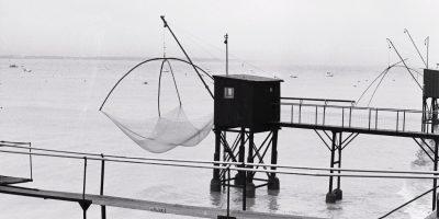Des petites cabanes de pêcheurs le long de la Loire