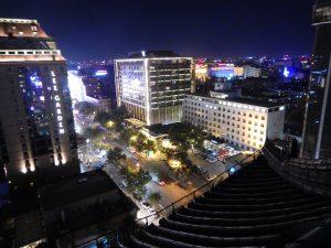 Pékin la nuit, la Chine est l'un des pays les plus visités par les voyageurs lors d'un tour du monde