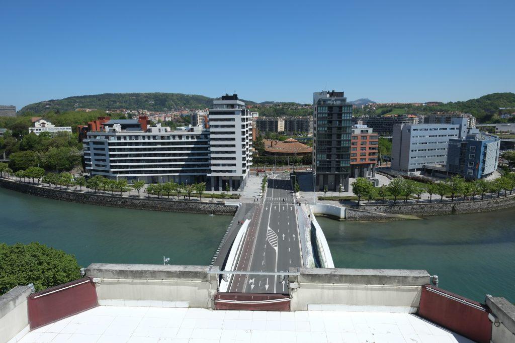 Vue sur la partie moderne de San Sebastian
