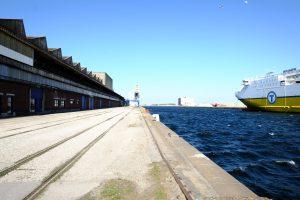 Vue sur l'une des darse du port de Dunkerque
