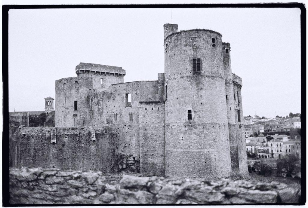 Le château fort de Clisson au sud de la Bretagne, l'un des plus beaux châteaux de Bretagne
