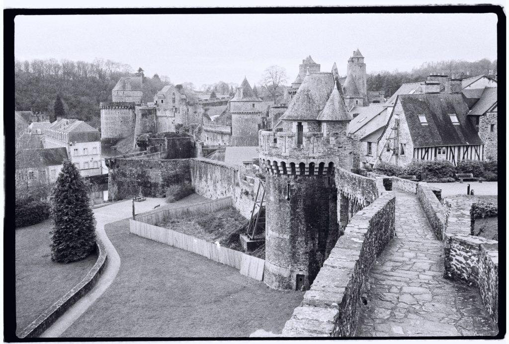 Le magnifique château fort de la ville de Fougères