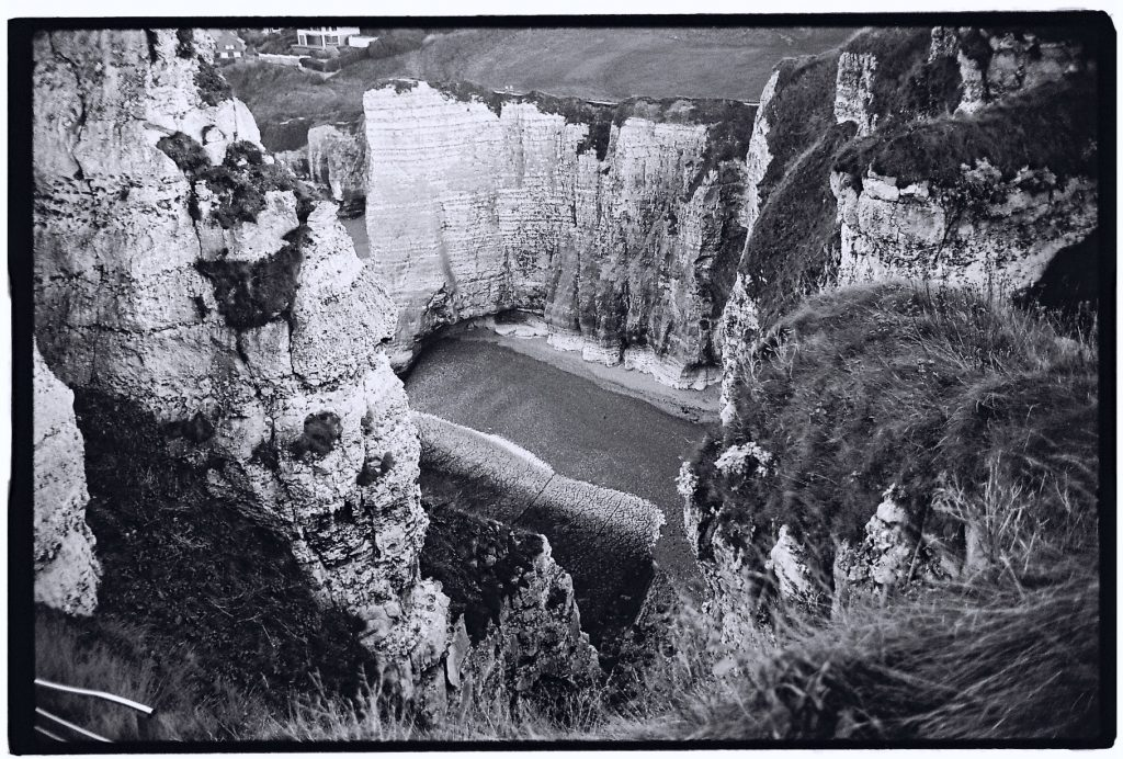 Etretat et ses impressionantes falaises de calcaire