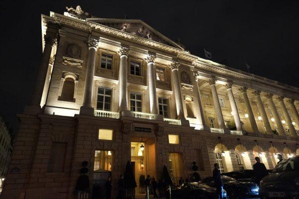 Le Crillon sur la place de la Concorde l'un des hôtels de luxe parisiens