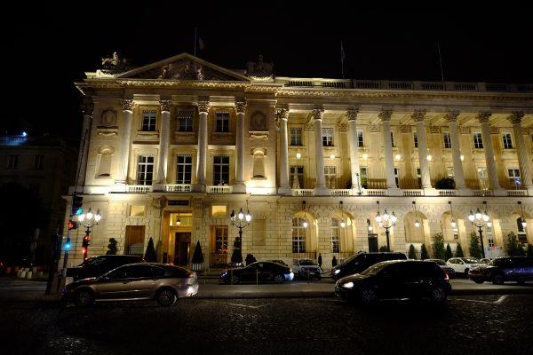 Le Crillon, un hôtel de luxe sur la place de la Concorde