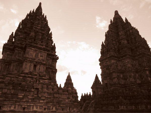 Le spendide temple de Candi Sewu en Indonésie