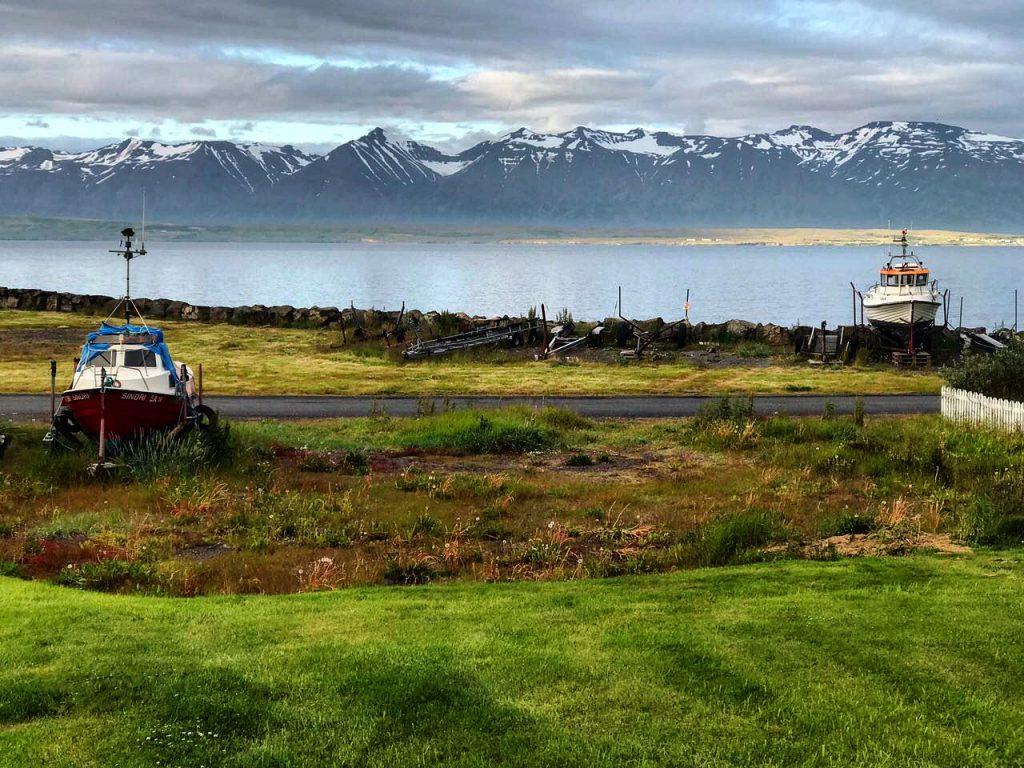 Un paysage paisible dans les alentours de Reykjavik