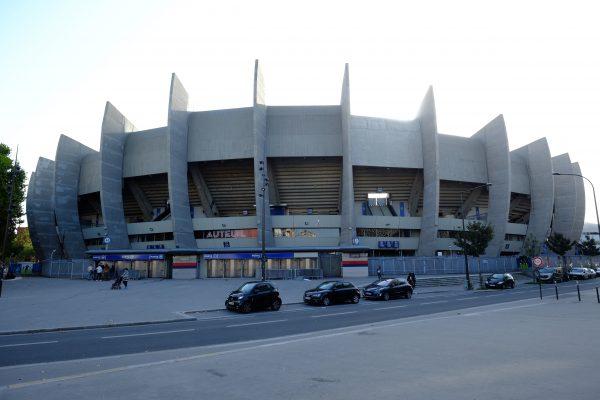 Côté Auteuil, le Parc des Princes l'un des plus grands stades de France