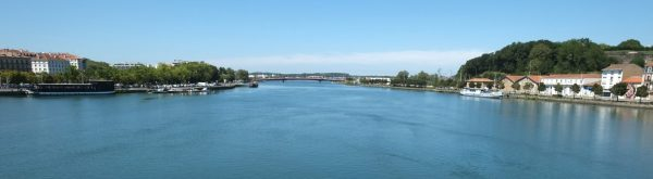 L'Adour, l'un des plus grands fleuves de France traversant Bayonne