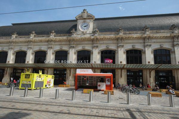 La façade de la gare Saint-Jean à Bordeaux