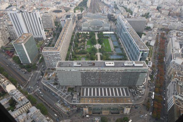 La gare Montparnasse vue depuis le sommet de la tour Montparnasse