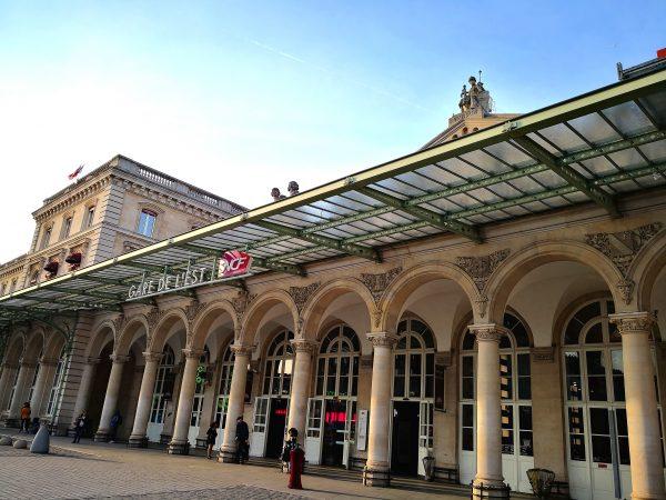 La gare de l Est en fin de journée