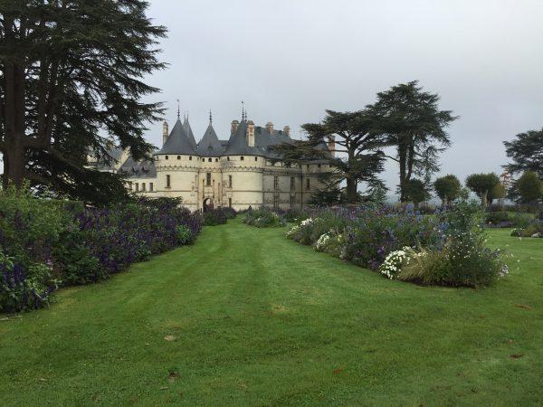 Le château de Chaumont domine la Loire et les jardins