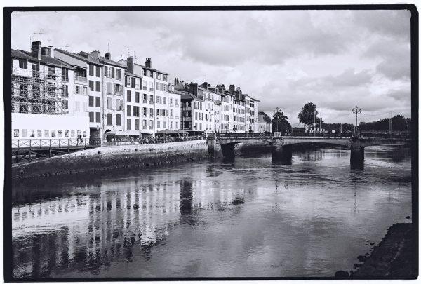 Bayonne en noir et blanc