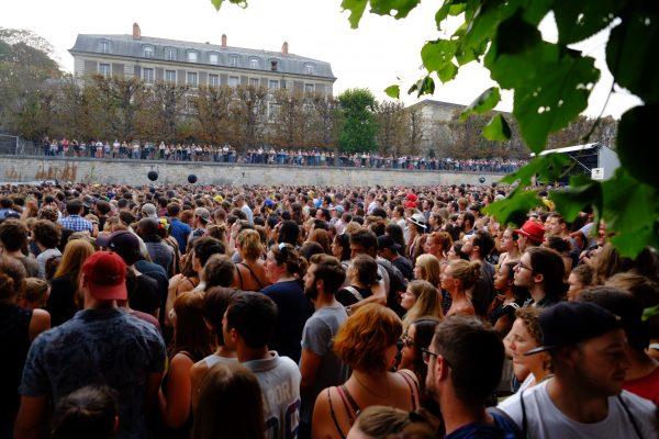 Rock en Seine, la foule est présente sur la scène du bosquet