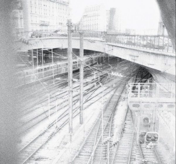 Vue sur la gare de l'Est depuis un pont