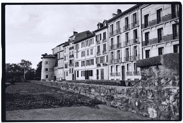 Bayonne, les maisons ont remplacé les remparts