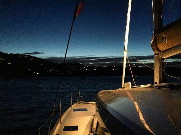 Le catamaran Lucia 40 au mouillage