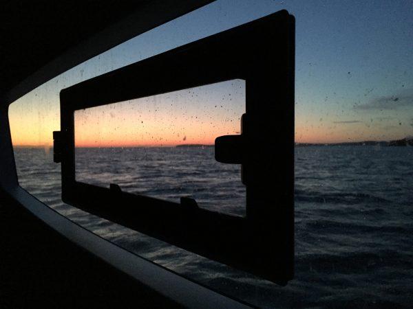 Au réveil sur le catamaran Lucia 40