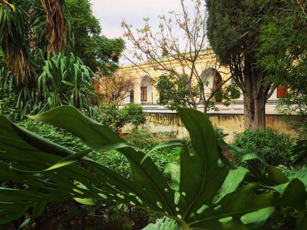 Le jardin intérieur du musée du Batha à Fès