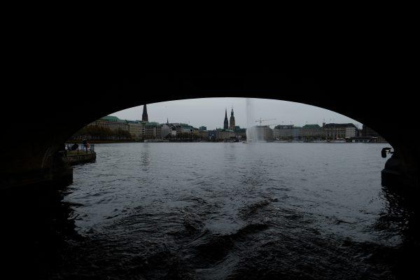 Découvrir Hambourg c'est aussi se balader en bateau sur le lac Aussenalster