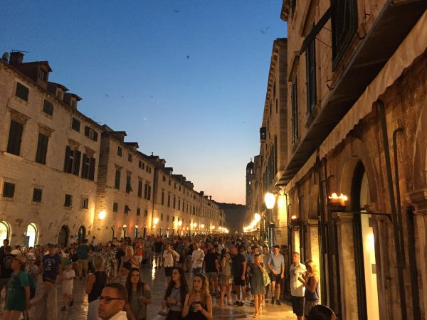 Dubrovnik au crépuscule une sensation indescriptible. Croatie