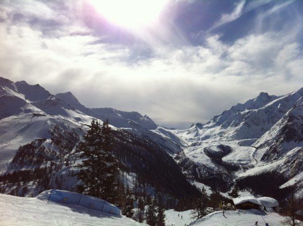 La splendide vallée de Courmayeur dans les Alpes italiennes