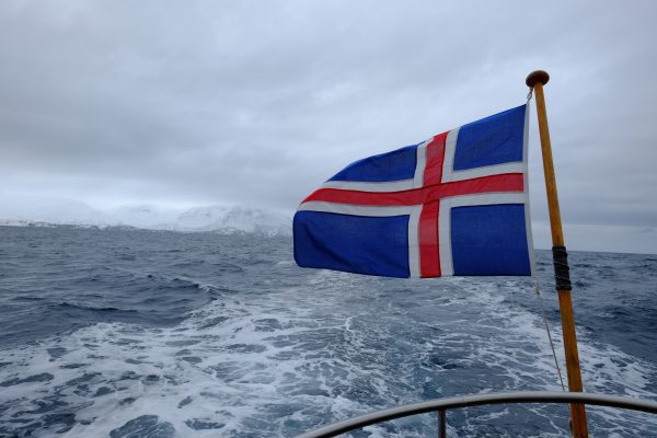 Navigation en Islande sur l'Océan Arctique