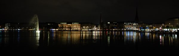 Skyline à Hambourg la nuit