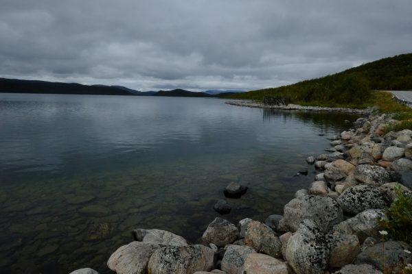 Un lac dans le nord de la Finlande