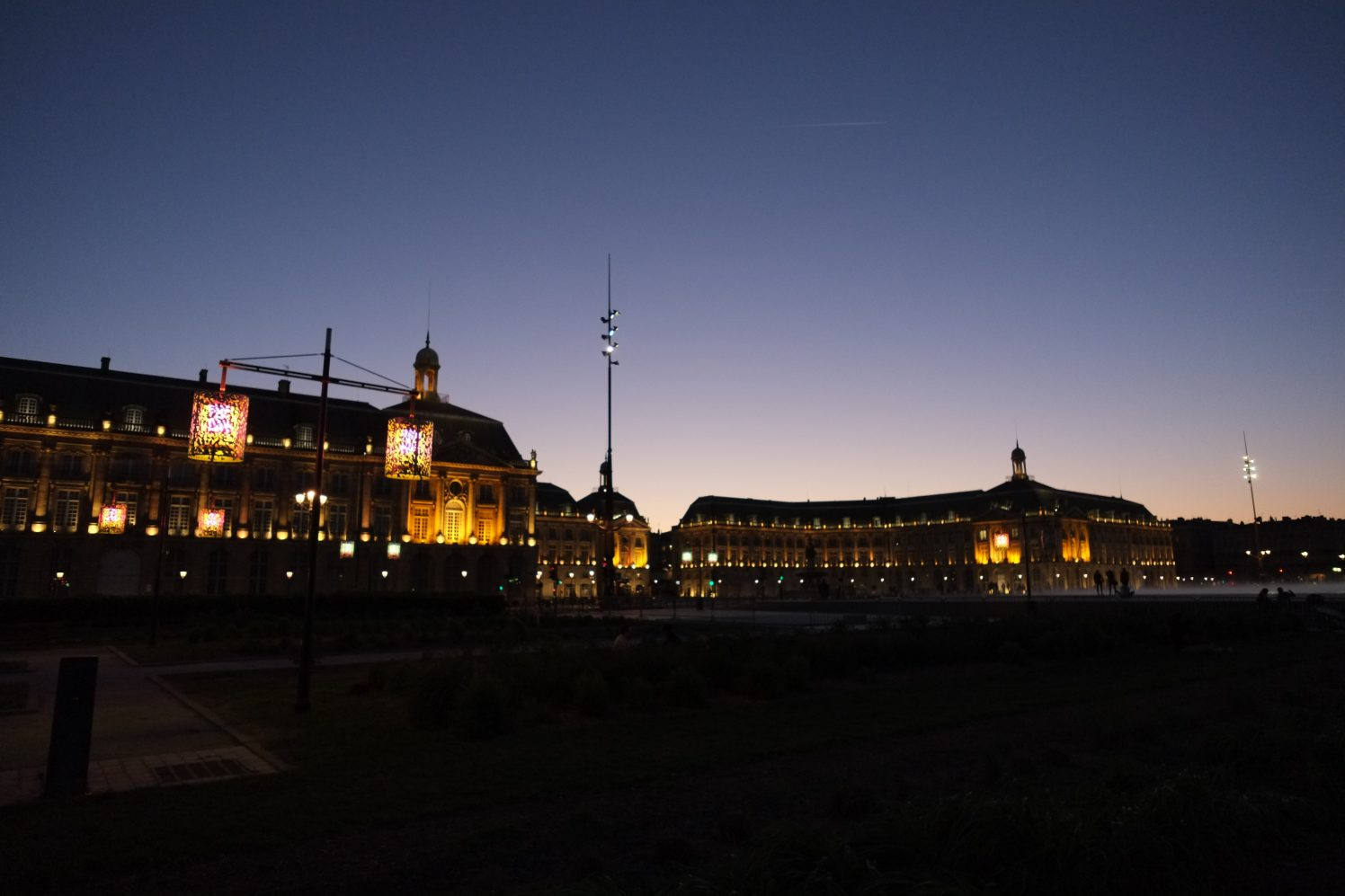 Bordeaux au crépuscule une très belle ville de France