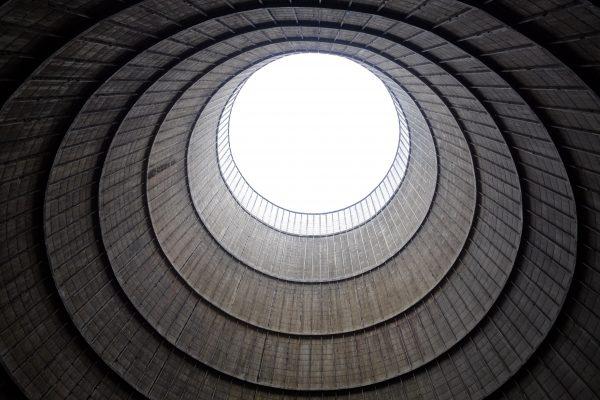 Enigmatique, la tour de Charleroi vue de l'intérieur