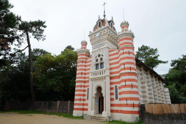 La chapelle algérienne du village de l'Herbe, l'une des choses incontournable à faire au Cap Ferret