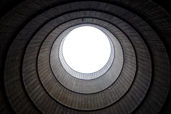 La tour de refroidissement de Charleroi un lieu insolite et abandonné