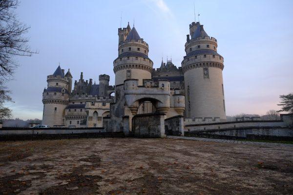 Le château de Pierrefonds au lever du jour