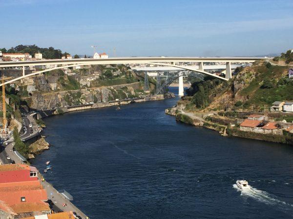 Le pont infante dom Henrique à Porto