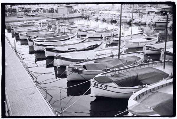 Les pointus amarrés au port de Nice