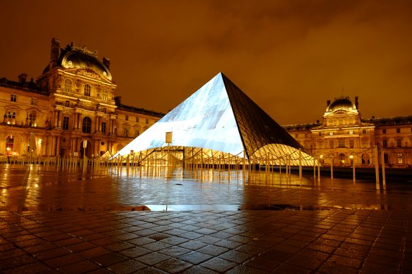 Paris la ville lumière, le Louvre