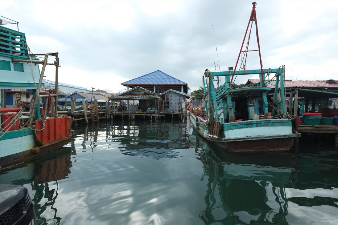 Dans le port de Sianoukhville au Cambodge