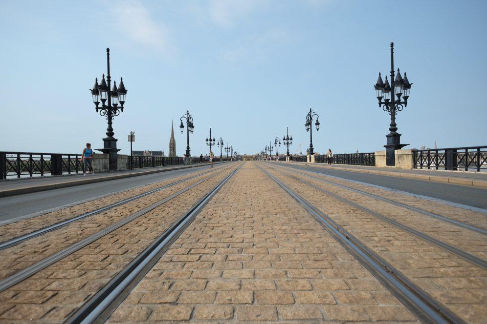 Sur le pont de pierre à Bordeaux