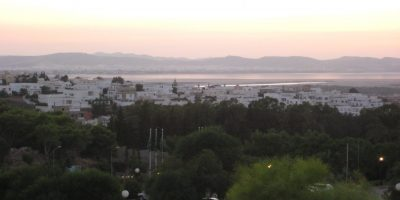 Tunis l'une des plus belles villes d'Afrique au crépuscule